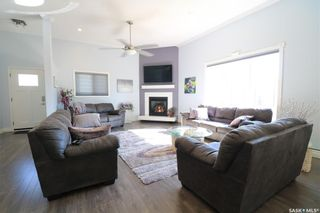 Photo 2: 122 24th Street in Battleford: Residential for sale : MLS®# SK855362