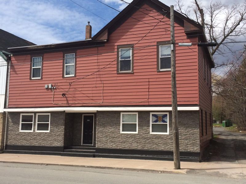FEATURED LISTING: 258 Foord Street Stellarton