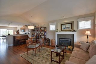 Photo 3: 6249 KEVINS Road in Sechelt: Sechelt District House for sale (Sunshine Coast)  : MLS®# R2374437