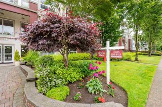 """Photo 2: 410 8068 120A Street in Surrey: Queen Mary Park Surrey Condo for sale in """"Melrose Place"""" : MLS®# R2464731"""