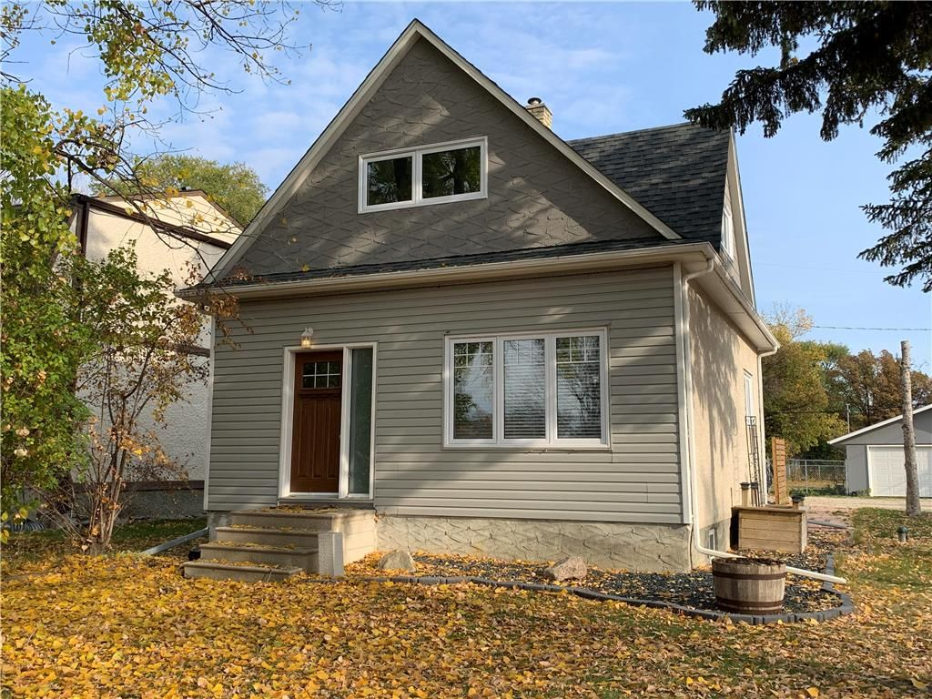Main Photo: 3097 BIRDS HILL Road: East St Paul Residential for sale (3P)  : MLS®# 202025176