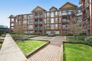 "Photo 1: 149 5660 201A Street in Langley: Langley City Condo for sale in ""PADDINGTON STATION"" : MLS®# R2045858"
