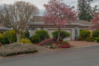 Photo 1: 15 928 Bearwood Lane in : SE Broadmead Row/Townhouse for sale (Saanich East)  : MLS®# 872824