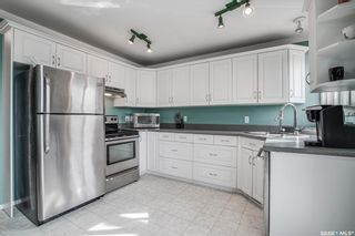 Photo 3: 99 Ross Crescent in Saskatoon: Westview Heights Residential for sale : MLS®# SK855001
