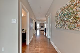 Photo 3: 6520 Mann Lane in Edmonton: MacTaggart House for sale : MLS®# E4153224