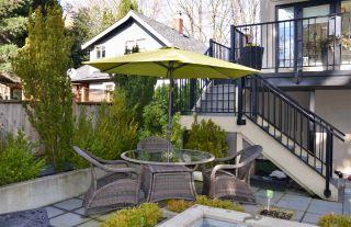 """Photo 18: 200 656 W 13TH Avenue in Vancouver: Fairview VW Condo for sale in """"CHEZ NOUS"""" (Vancouver West)  : MLS®# R2433312"""