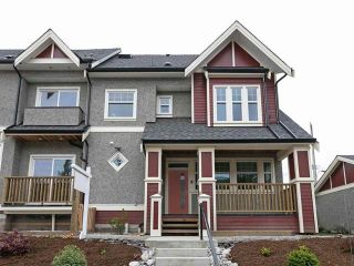 Photo 1: 2575 LAKEWOOD Drive in Vancouver: Grandview Woodland 1/2 Duplex for sale (Vancouver East)  : MLS®# R2531511