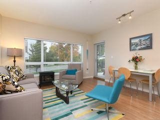 Photo 2: 104 785 Tyee Rd in : VW Victoria West Condo for sale (Victoria West)  : MLS®# 871798