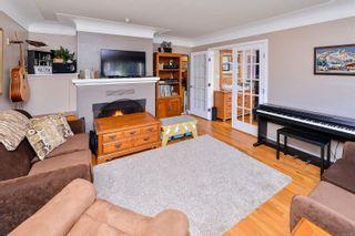 Photo 26: 1729/1731 Bay St in : Vi Jubilee Full Duplex for sale (Victoria)  : MLS®# 874491