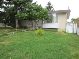 Main Photo: 3024 33A Street SE in Calgary: Dover Detached for sale : MLS®# A1095846