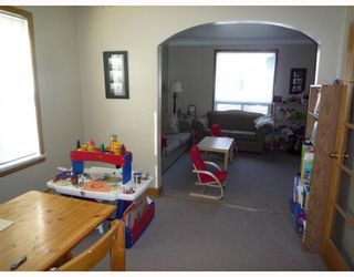 Photo 3: 346 BURROWS Avenue in WINNIPEG: North End Residential for sale (North West Winnipeg)  : MLS®# 2905859