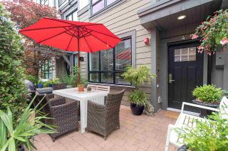 """Photo 3: 4 3508 MT SEYMOUR Parkway in North Vancouver: Northlands Townhouse for sale in """"Parkgate"""" : MLS®# R2282114"""