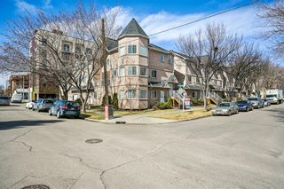 Main Photo: 110 13 Avenue NE in Calgary: Crescent Heights Row/Townhouse for sale : MLS®# A1090659