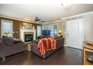 Photo 4: 29 6238 192 STREET in Surrey: Cloverdale BC Townhouse for sale (Cloverdale)  : MLS®# R2137639