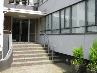 """Photo 10: 312 1445 MARPOLE Avenue in Vancouver: Fairview VW Condo for sale in """"Hycroft Towers"""" (Vancouver West)  : MLS®# V838480"""