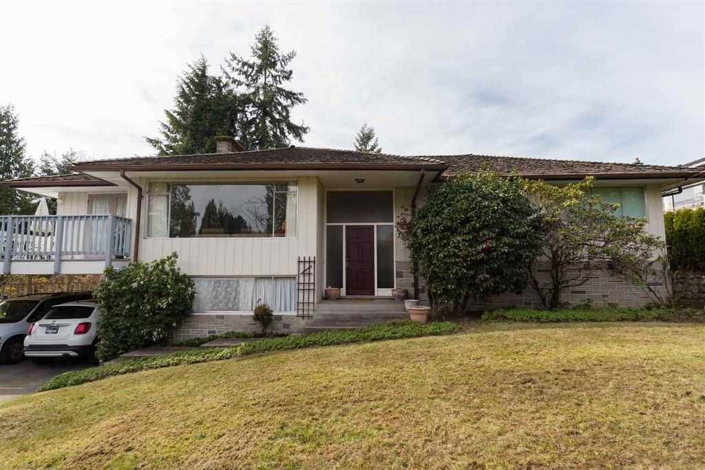 Main Photo: 1708 ST. DENIS ROAD in West Vancouver: Ambleside House for sale : MLS®# R2050310