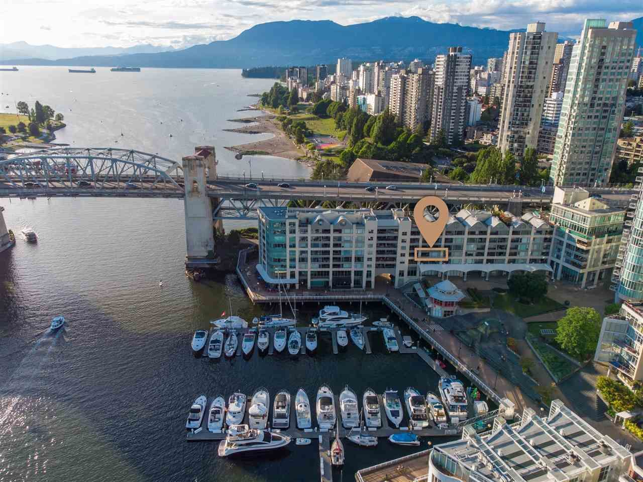 Main Photo: 303 1008 BEACH Avenue in Vancouver: Yaletown Condo for sale (Vancouver West)  : MLS®# R2593017