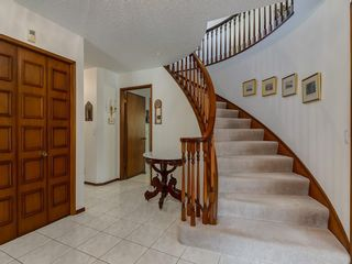 Photo 8: 56 BAY VIEW Drive SW in Calgary: Bayview House for sale : MLS®# C4136021