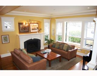 Photo 3: 698 W 19TH Avenue in Vancouver: Cambie House for sale (Vancouver West)  : MLS®# V754749
