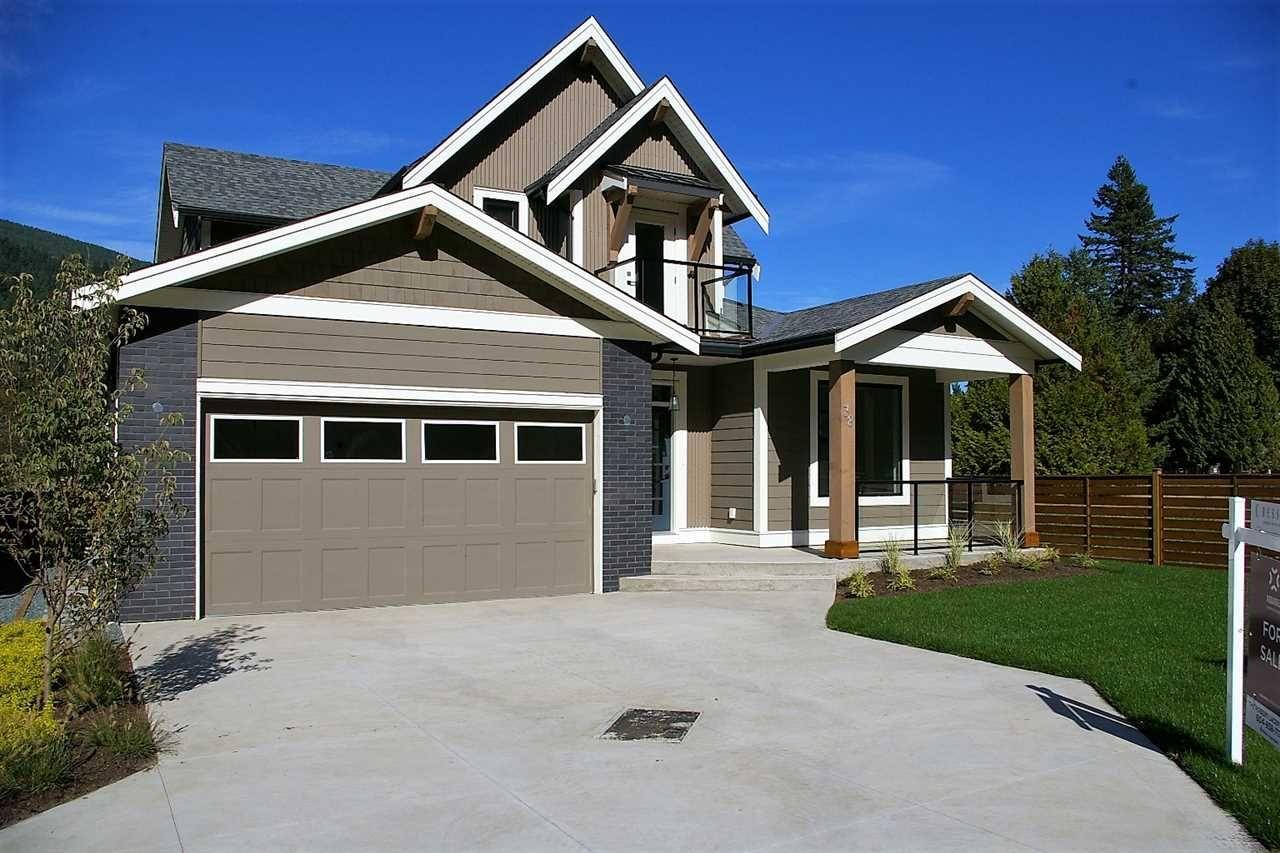 "Main Photo: 38 1885 COLUMBIA VALLEY Road: Lindell Beach House for sale in ""AQUADEL CROSSING"" (Cultus Lake)  : MLS®# R2212613"