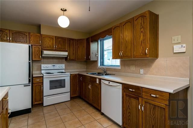 Photo 6: Photos: 940 Weatherdon Avenue in Winnipeg: Crescentwood Residential for sale (1Bw)  : MLS®# 1828216