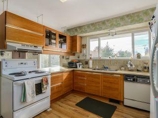 Photo 8: 925 HANDSWORTH Road in North Vancouver: Forest Hills NV House for sale : MLS®# V1110371
