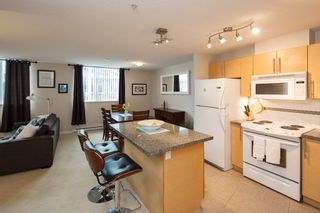 """Photo 4: 301 2225 HOLDOM Avenue in Burnaby: Central BN Condo for sale in """"LEGACY TOWERS"""" (Burnaby North)  : MLS®# R2329994"""
