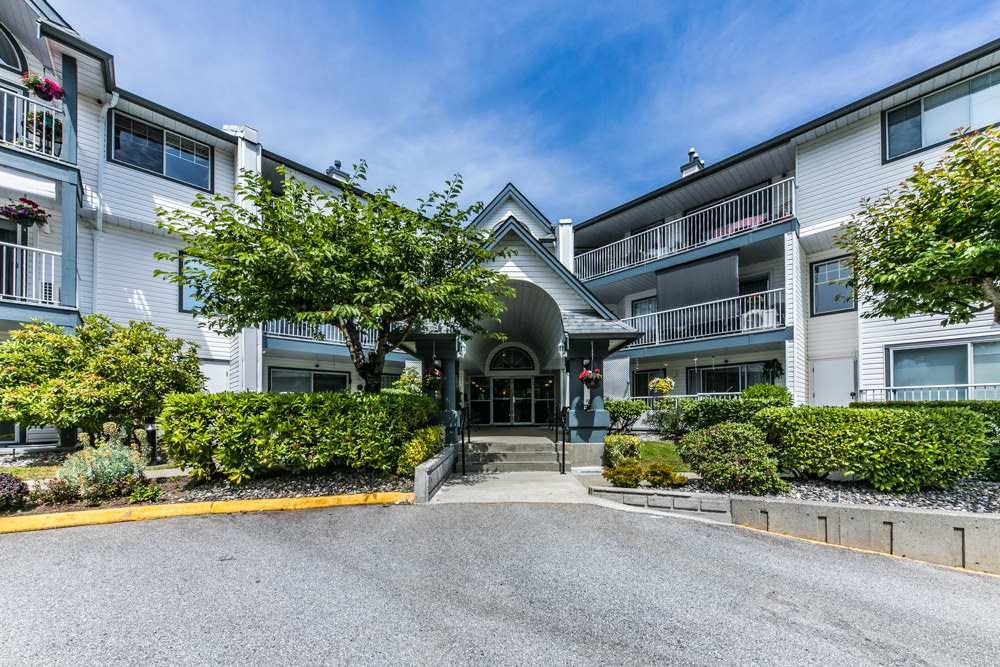 Photo 2: Photos: 110 11601 227 Street in Maple Ridge: East Central Condo for sale : MLS®# R2504284