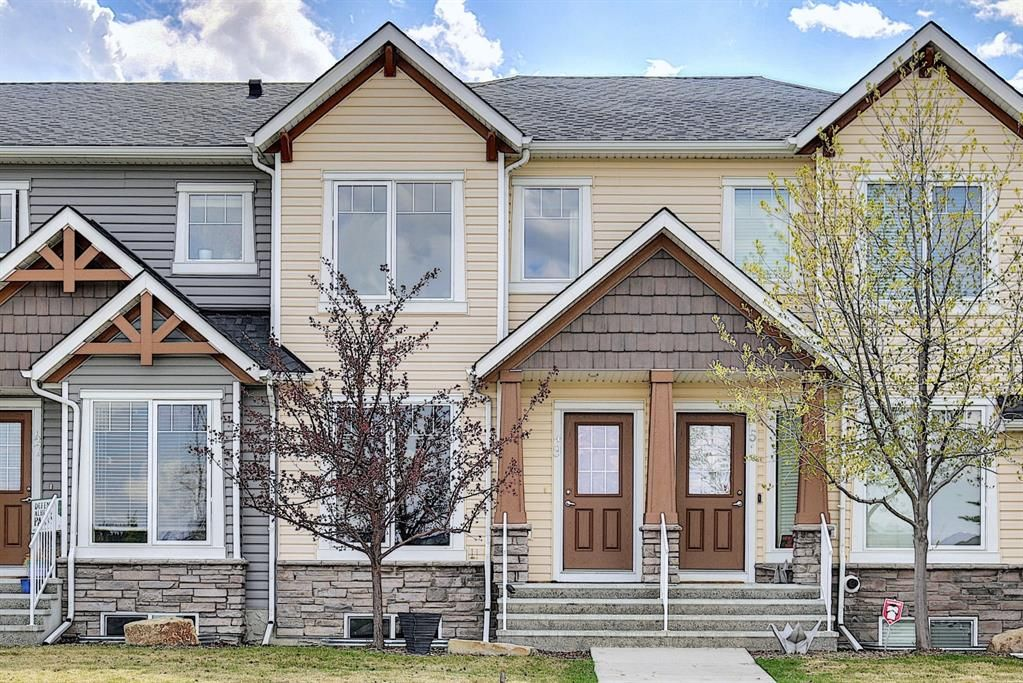 Main Photo: 49 Aspen Hills Drive in Calgary: Aspen Woods Row/Townhouse for sale : MLS®# A1108255