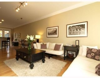 Photo 2: 1658 St. Georges Avenue in North Vancouver: Central Lonsdale Townhouse for sale : MLS®# V794083