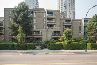 """Photo 3: PH7 1040 PACIFIC Street in Vancouver: West End VW Condo for sale in """"CHELSEA TERRACE"""" (Vancouver West)  : MLS®# R2300561"""