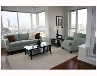 """Photo 8: 802 2055 YUKON Street in Vancouver: Mount Pleasant VW Condo for sale in """"MONTREUX"""" (Vancouver West)  : MLS®# V731923"""