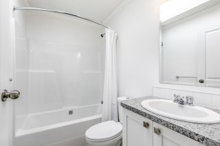 """Photo 19: 23 2303 CRANLEY Drive in Surrey: King George Corridor Manufactured Home for sale in """"Sunnyside Estates"""" (South Surrey White Rock)  : MLS®# R2550516"""