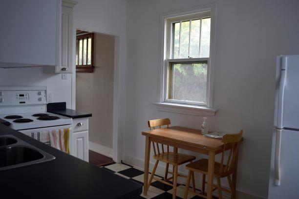 Photo 5: Photos: 11242 94 Street in Edmonton: Zone 05 House for sale : MLS®# E4246790