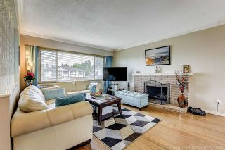 "Photo 2: 15024 PEACOCK Place in Surrey: Bolivar Heights House for sale in ""birdland"" (North Surrey)  : MLS®# R2212665"