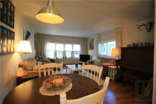 Photo 3: 41 Bonneteau Avenue in Ile Des Chenes: R07 Residential for sale : MLS®# 1824454
