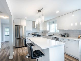 Photo 4: 1585 E 43RD Avenue in Vancouver: Knight House for sale (Vancouver East)  : MLS®# R2462741