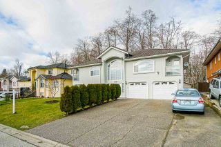 Photo 3: 13755 93A Avenue in Surrey: Bear Creek Green Timbers House for sale : MLS®# R2537717