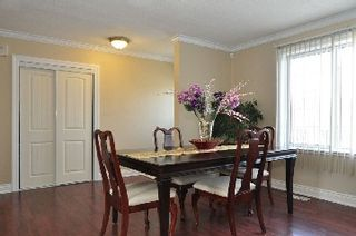 Photo 2: 7132 Honeysuckle Avenue in Mississauga: Malton House (Bungalow) for sale : MLS®# W2769466