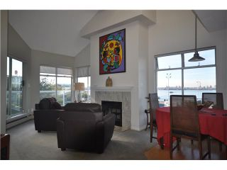 """Photo 3: 3312-33 Chesterfield Place in North Vancouver: Lower Lonsdale Condo for sale in """"Harbour View Place"""" : MLS®# V848716"""