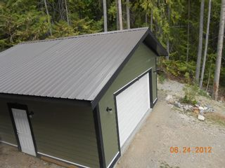 Photo 2: 2745 Vickers Trail in Anglemont: House for sale : MLS®# 10072926