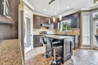 Photo 3: 7866 164A Street in Surrey: Fleetwood Tynehead House for sale : MLS®# R2608460