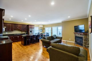 Photo 3: 46841 SYLVAN Drive in Chilliwack: Promontory House for sale (Sardis)  : MLS®# R2563866