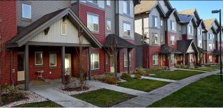 Photo 1:  in Edmonton: Zone 53 Townhouse for sale : MLS®# E4151574