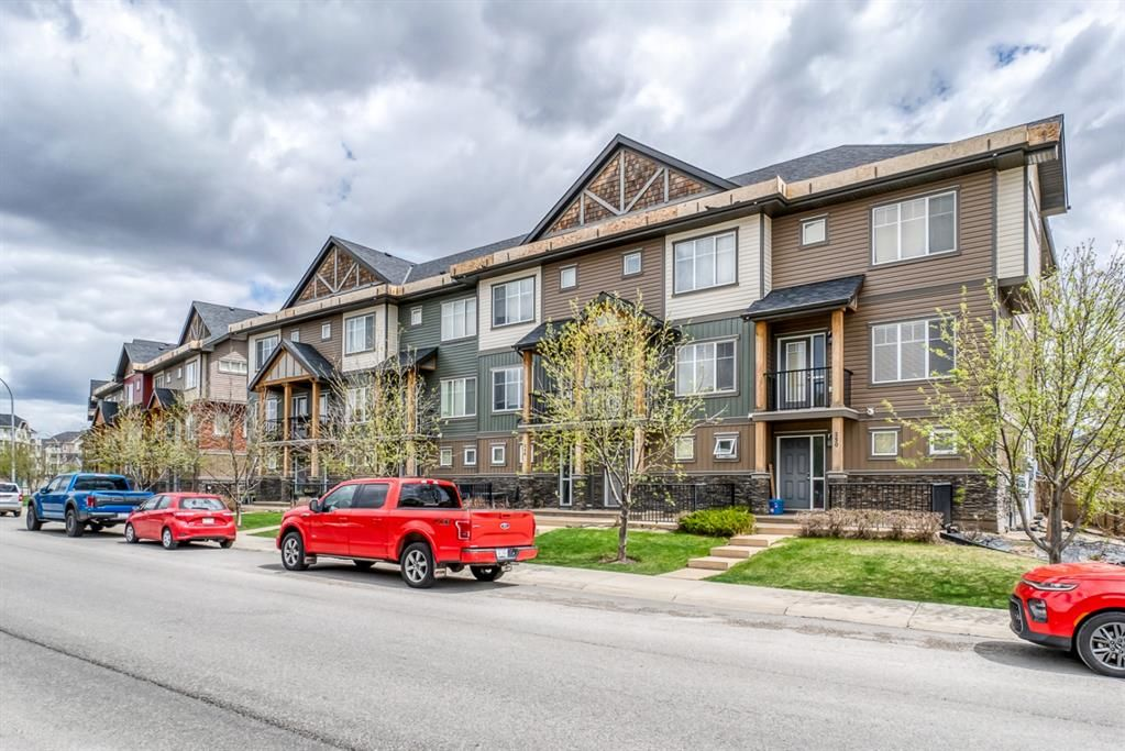 Main Photo: 222 SKYVIEW RANCH Way NE in Calgary: Skyview Ranch Row/Townhouse for sale : MLS®# A1109489