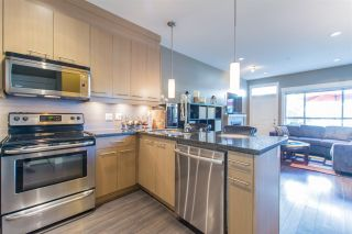 """Photo 5: 24 7298 199A Street in Langley: Willoughby Heights Townhouse for sale in """"YORK"""" : MLS®# R2115410"""