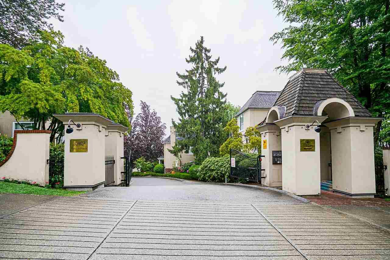 """Main Photo: 512 5262 OAKMOUNT Crescent in Burnaby: Oaklands Condo for sale in """"ST ANDREW IN THE OAKLANDS"""" (Burnaby South)  : MLS®# R2584801"""