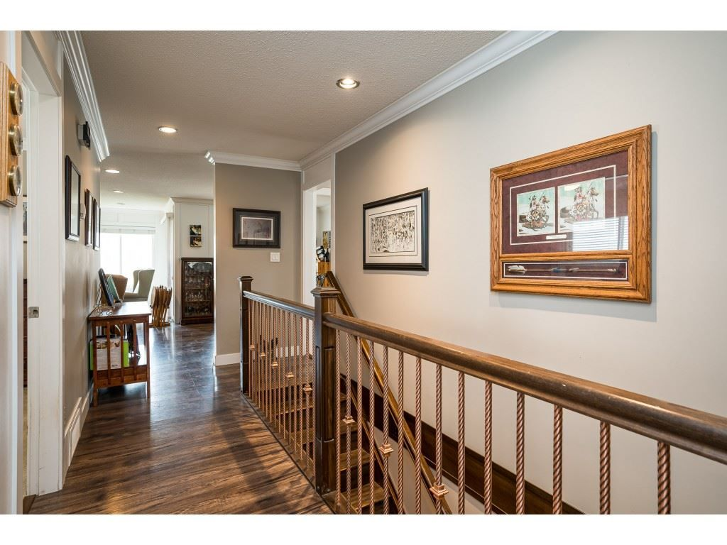 Photo 11: Photos: 20305 50 AVENUE in Langley: Langley City House for sale : MLS®# R2561802