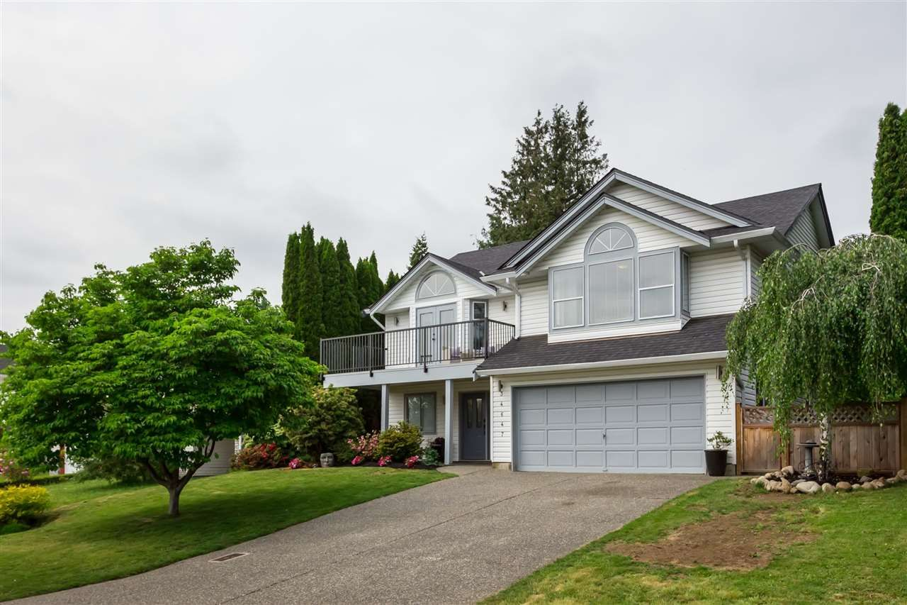 Main Photo: 34647 BALDWIN Road in Abbotsford: Abbotsford East House for sale : MLS®# R2375432