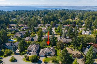 """Photo 2: 2305 131A Street in Surrey: Elgin Chantrell House for sale in """"Huntington Park"""" (South Surrey White Rock)  : MLS®# R2617138"""